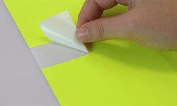 Bestellen Sie leuchtgelbe Etiketten für Büro und Office Management